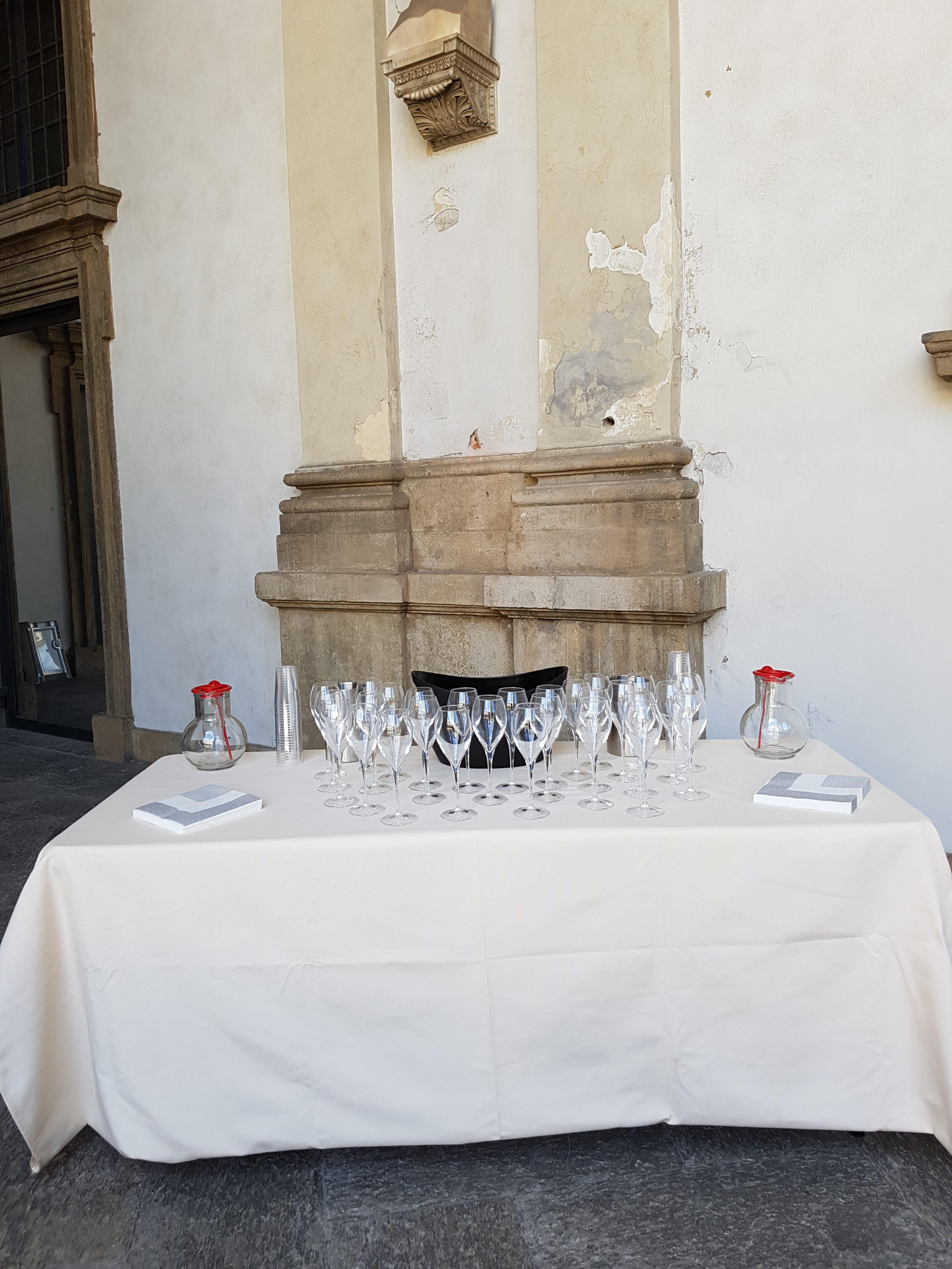 Tavolo beverage